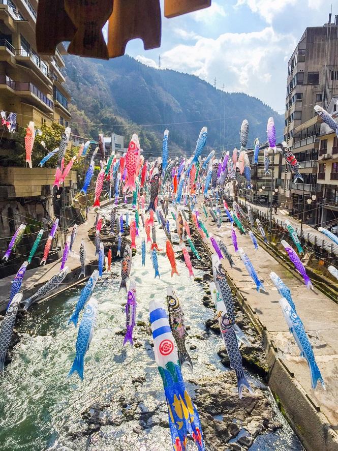3500匹の鯉のぼり祭りは4月1日~5月6日開催