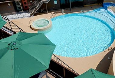 休闲游泳池