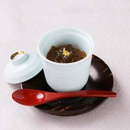 Pure Japanese-style inn Izumitani roasted tea pudding